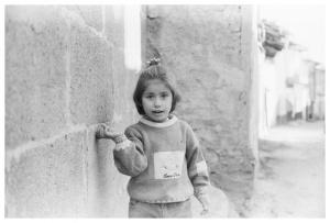 Küçük Kız - İlford Hp5 plus - Ankara Kalesi 2004